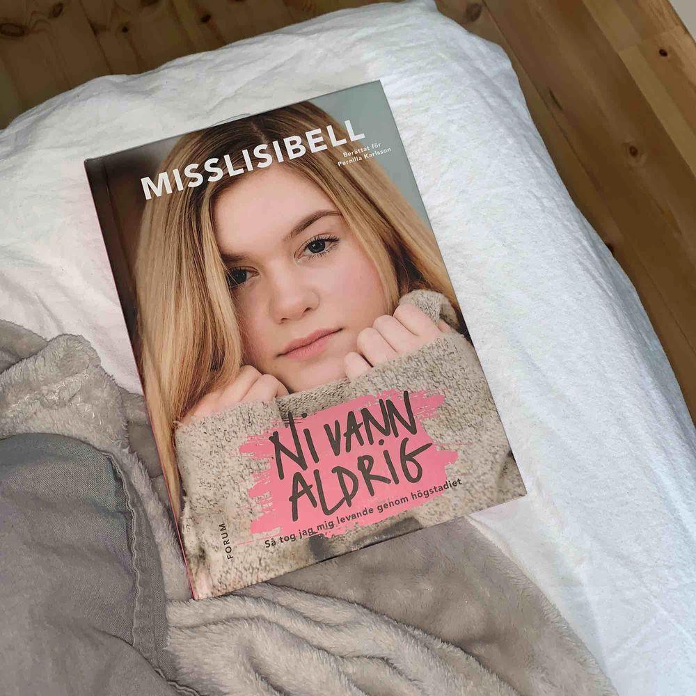 """Misslisibells bok """"ni van aldrig"""". Som ny. Övrigt."""