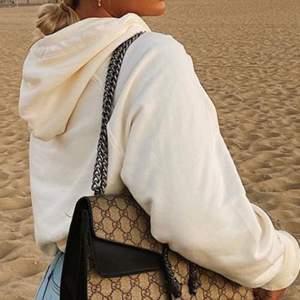 Gucci väska vitange som inte kommer till användning. 400kr