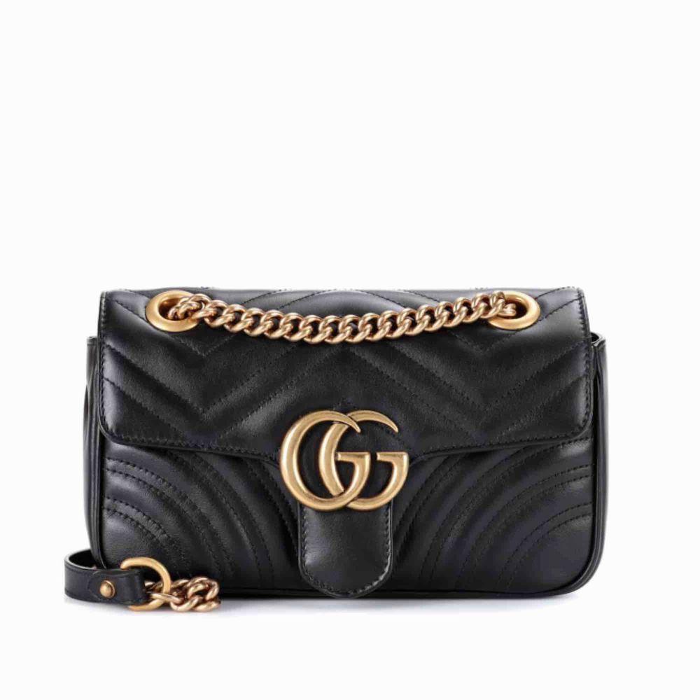 GG marmont väska i fint skick!!! Buda i kommentarerna!! Budning tar slut om tre dagar!. Väskor.