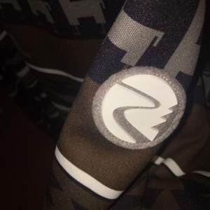 En oanvänd tröja från Maloja, nypris 800:-