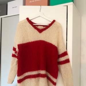 Säljer min fina American Vintage stickade tröja i storlek M!! Superfint skick men kommer ej till användning längre🥺