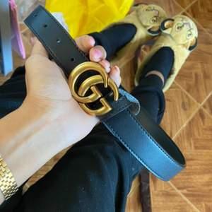 Gucci bälte i 100%äkta läder det finns för beställning det tar 1-6 väskor mot den brukar komma via 33 dagar