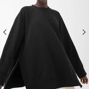 Jättefin tröja från arket som tyvärr inte kommer till användning! Använd ett fåtal gånger bara! Mer som S-M i storlek 😊