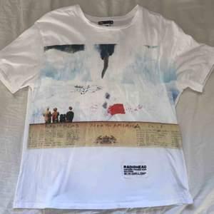 Oversized Radiohead merchandise köpt på Zara!