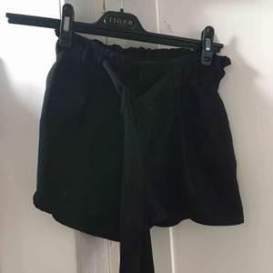 Superfina svarta shorts, endast använda 2 gånger 🥰