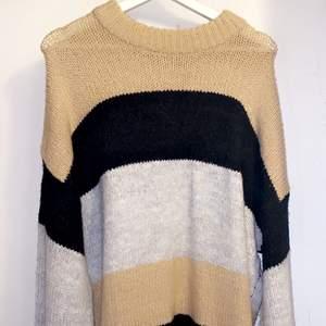 Stickad oversize tröja från Lager 157.
