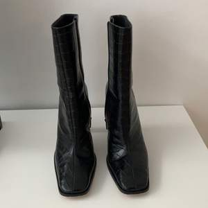 Super snygga Boots i bra skick  köpta på ASOS