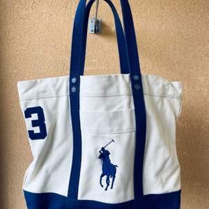 Väska Ralph Lauren  (nyskick bra kvalitet)