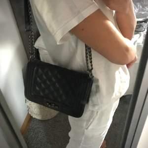 Väska från Gina i använt men fin skick❤️🧚🏼♀️ så fin och passar till nästan alla outfits