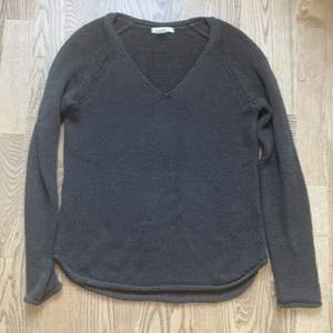 Brun V-ringad tröja från Hm, storlek Xs