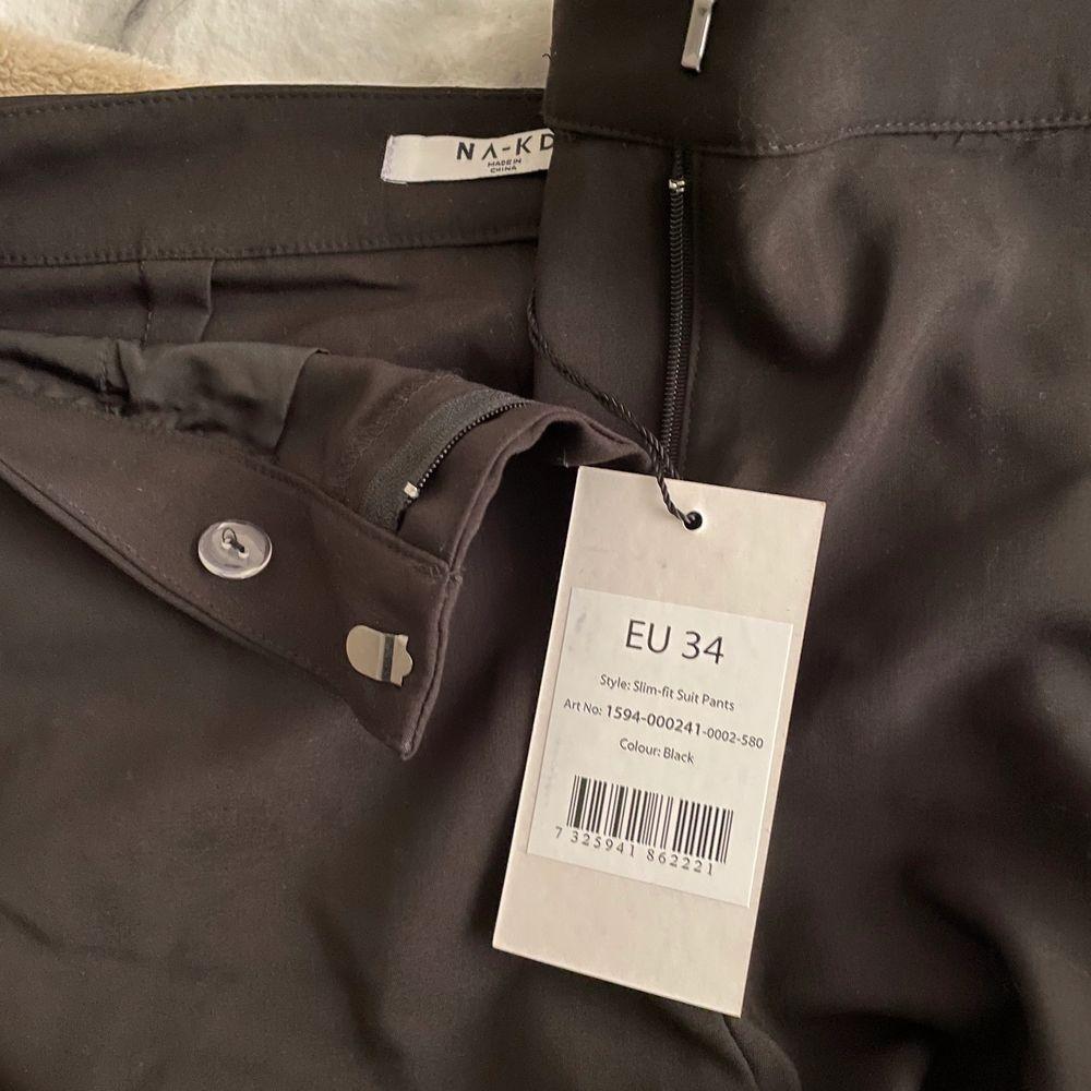 Helt nya, säljs pga stora på mig. Jeans & Byxor.