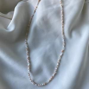 Egengjort halsband