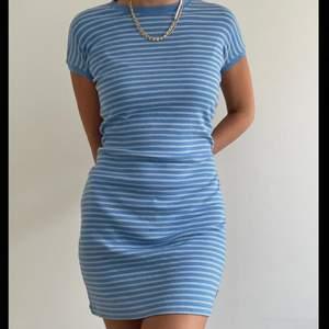 Second hand klänning köpt på beyond retro, så fin!!