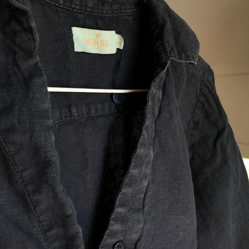 linne skjorta från MORRIS, med kortare ärm med mudd💘 inprincip aldrig använd . Blusar.