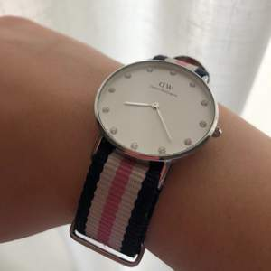 Classic Southampton watch with pink and blue strap and silver details. Bought for 150€/1500kr. Selling for 500kr, FREE SHIPPING OR MEET UP. DM me for real life pics.