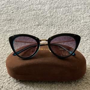 kvinnors solglasögon, utmärkt skick, snyggt