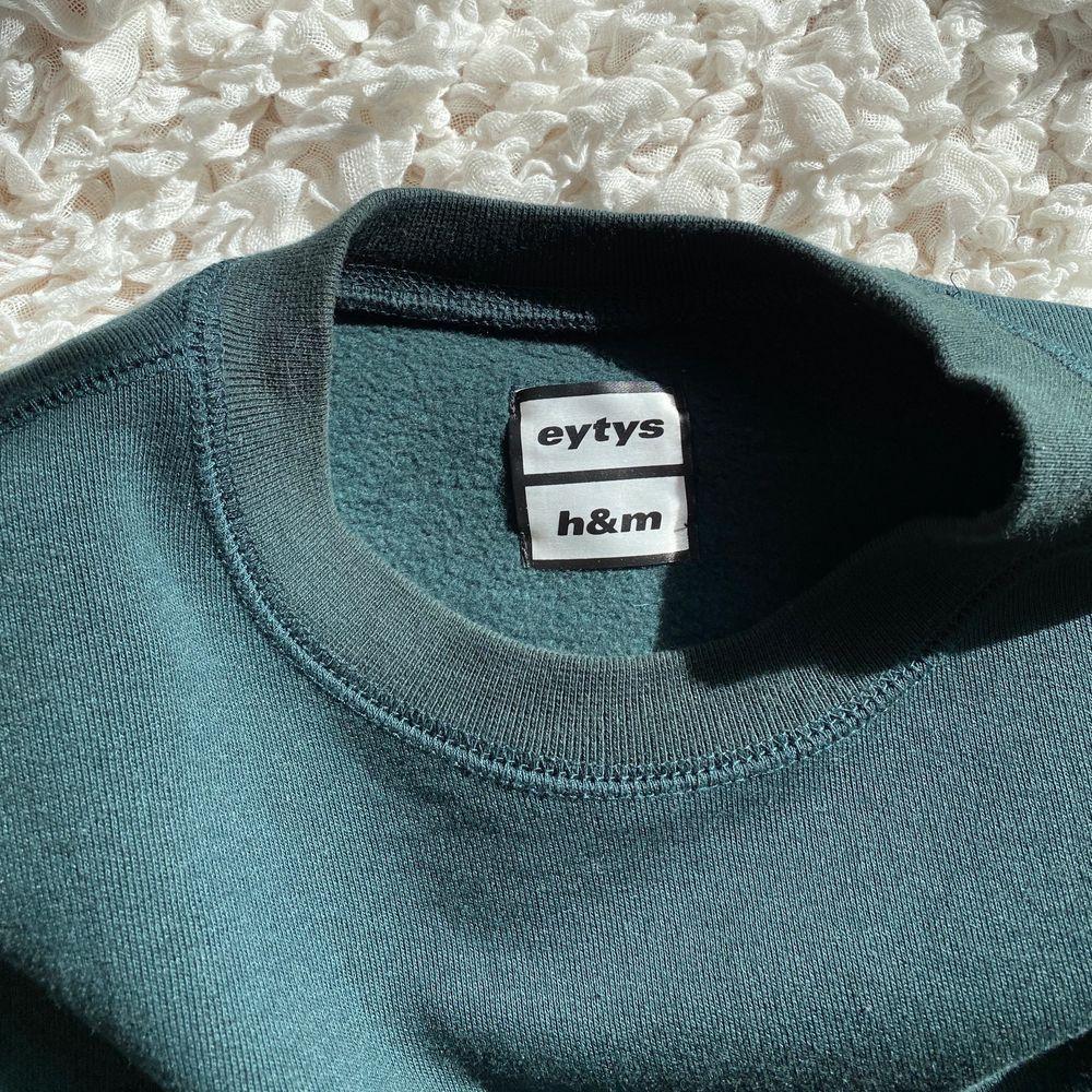 Eytys x hm tröja, jättefin passform, knappt använd. Huvtröjor & Träningströjor.