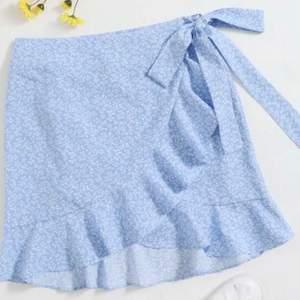 Är det någon som har denna kjol från shein? Hör gärna av er till mig💘💘