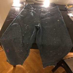 ett par feta baggy jeans. customizat dom lite, skriv för fler bilder.