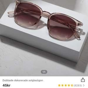 Solglasögon ifrån SHEIN, helt oanvända då det inte riktigt är min smak i glasögon.
