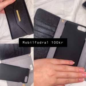 Fodral 1: Ideal of sweden, iPhone 8plus (passar även 7 plus och 6plus), org pris 500kr, säljs för 250kr,                       fodral 2: iPhone 11 Max plus, 100kr och helt oanvänt                                 Fodral 3: 12 Max, 100kr och även oanvänt..                                 frakten ligger på 11kr men är inte inräknat i priset (endast ideal of sweden)