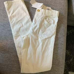 Nya byxor med lappen kvar, jätte stretchiga stl 164 men skulle säga XS