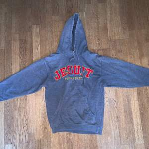 Vintage hoodie size S fits true to size. Excellent vintage condition.