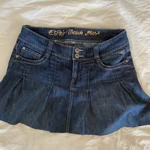 kort kjol från esprit!! köpt secondhand