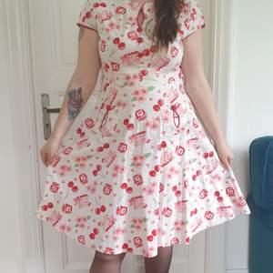 Voodo Vixen Rockabilly klänning körsbär Storlek XL