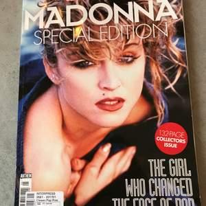 Jättefint magasin med massor att läsa - och skitsnygga bilder - på Queen of Pop, Madonna.