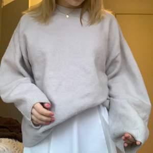 Superskönt och fin tröja i en oversized modell😍 frakt ingår🤗💗