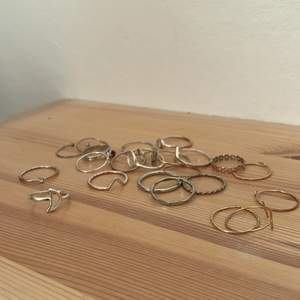 Säljer alla dessa ringar, köp allt för 25kr! Skriv om du vill ha en tydligare bild av en specifik ring💗
