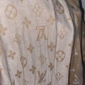 Lv sjal fake använd fåtal gånger