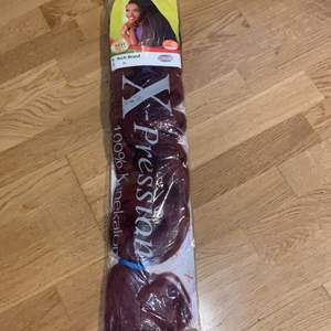 This is African attachment for black hair. Affordable price.