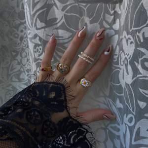 Säljer alla dessa ringar på SaintBavi.com, eller ifall ni vill köpa de genom Plick så skriv direkt! Begränsat antal🤎