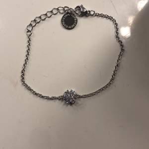 Jättefint armband från Snö Of sweden❤️ helt nytt❤️ 70kr + frakt❤️ köpt för 249kr