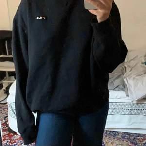 Oversized Fila sweatshirt så gott som oanvänd