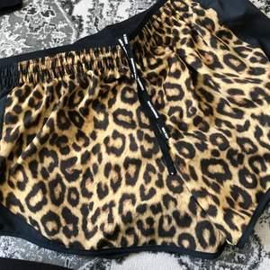 Tunna sköna sportiga shorts :)