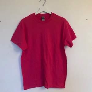 NY! T-shirt köpt från Amazon (runt 249:- med tull) i heavy cotton. Unisex!