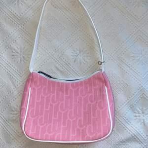 Rymlig shoulderbag 💓