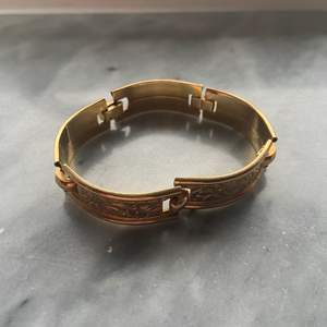 Armband i gulddouble, köpare står för frakten