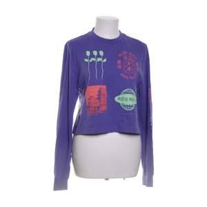 Säljer min supercomfy tröja från Urban Outfitters