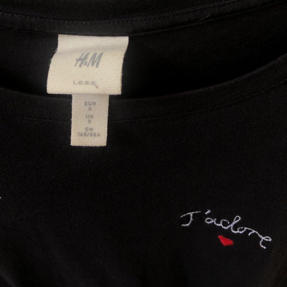 T-shirt från h&m💗Köparen står för frakt. T-shirts.