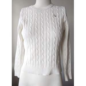 Vit Gant tröja i barn storlek 15y, vilken är som en XXS. Den är i perfekt skick, som ny!