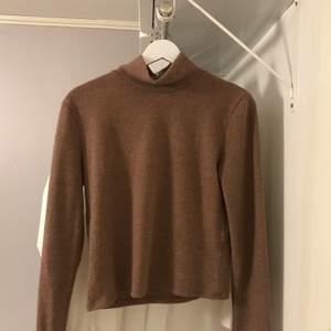 Brun/lila tröja från Zara i storlek S. 💜