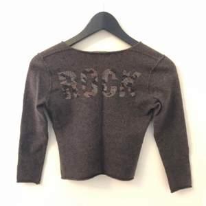 Säljer min fina Zadig tröja! Den är i bra skick och storlek M men den passar som en XXS-XS. Knappt använd💖