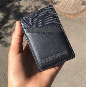 Det här är en helt ny plånbok har använt 1 gång det är en ideal of Sweden jag har 2 av dem