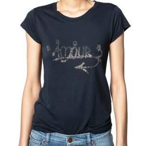 Zadig tshirt som jag tyvär inte har använts så mycket❤️ köpt för 1200kr på deras butik förra hösten. Så fin!!