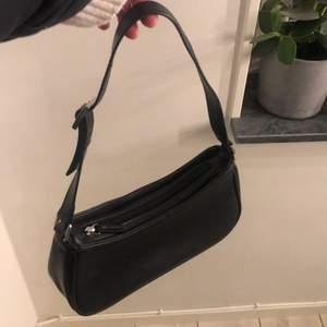 Väska från monki köpt för 300kr