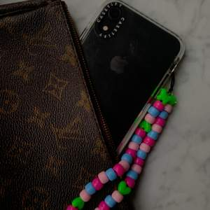 Literally you guys, this is my favourite essential that I have on my phone all the time! So cute and a simple detail that makes a lot🦋 Contact us if you have any questions about shipping, payment or customization💙 Enjoy💙 More is coming💕 #supportsmallbusinesses follow us on Instagram: @shopalogic